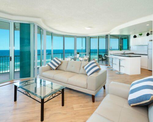 Main-beach-2-bed-apartment-unit-18 (1)