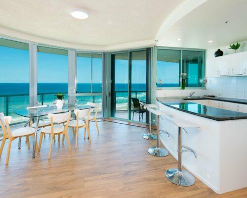 Main-beach-2-bed-apartment-unit-18 (3)