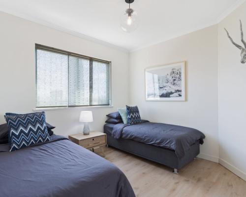 main-beach-2-bed-apartment-unit-8 (10)