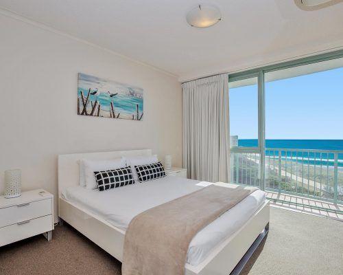 main-beach-2-bedroom-apartments-ocean-view-U11-(2)