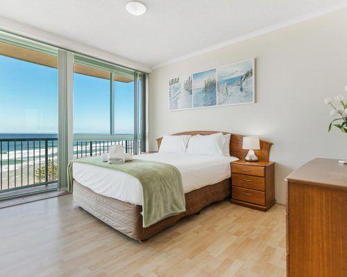 main-beach-2-bedroom-apartments-ocean-view-U18-(5)