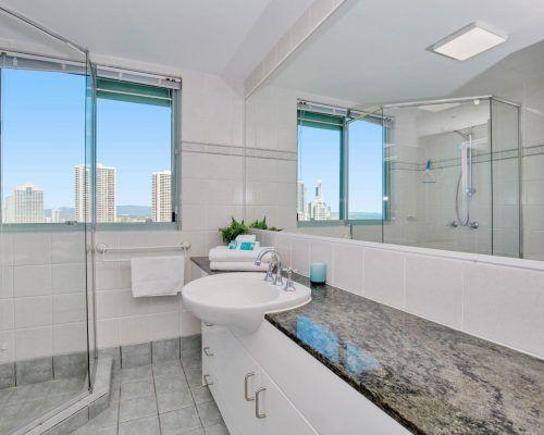 main-beach-2-bedroom-apartments-ocean-view-U26-(3)