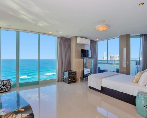 main-beach-3-bedroom-penthouse-apartment-ocean-view-U46-(12)