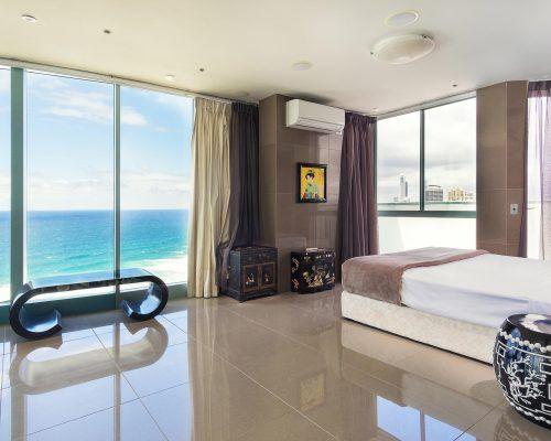 main-beach-3-bedroom-penthouse-apartment-ocean-view-U46-(14)