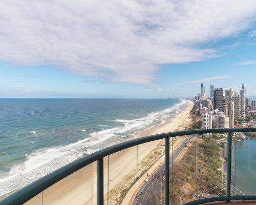 main-beach-3-bedroom-penthouse-apartment-ocean-view-U46-(18)
