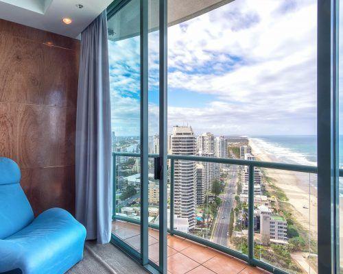 main-beach-3-bedroom-penthouse-apartment-ocean-view-U46-(19)