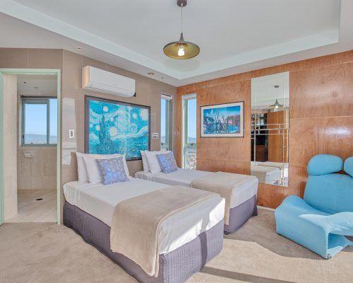 main-beach-3-bedroom-penthouse-apartment-ocean-view-U46-(2)
