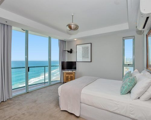 main-beach-3-bedroom-penthouse-apartment-ocean-view-U46-(6)