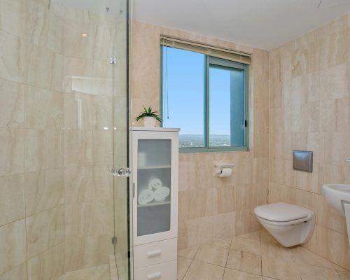 main-beach-3-bedroom-penthouse-apartment-ocean-view-U46-(9)
