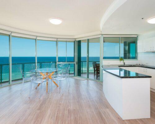 main-beach-accommodation-apartment-26 (2)