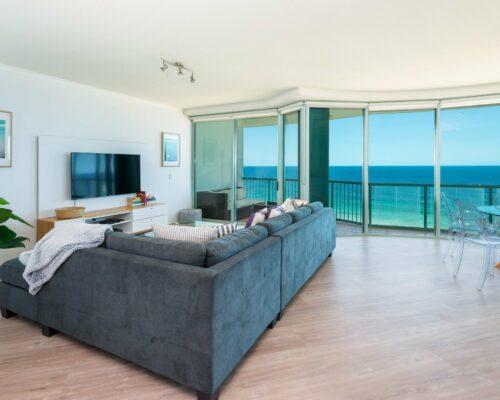 main-beach-accommodation-apartment-26 (3)