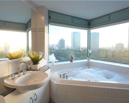 waterford-main-beach-spa-penthouse